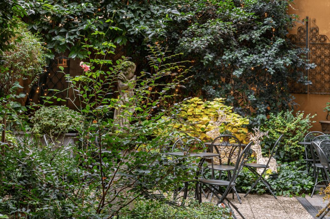 Internal garden Hotel Sanpi Milano