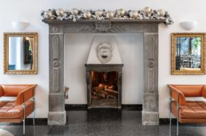 Hotel Sanpi Milano fireplace